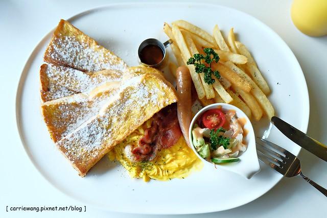 【台中早午餐推薦】Little N.Y. Café.小紐約。中科商圈優質早午餐店,旁邊有一座小公園,店家服務很好,附近停車也很方便 @飛天璇的口袋