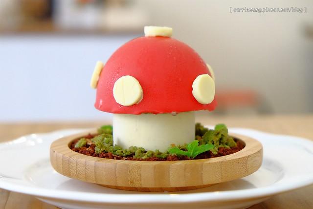 【台中輕食早午餐】洛可可烘焙坊。超可愛的隱藏版松鼠早午餐,還有很萌的蘑菇花園甜點冰淇淋蛋糕,雜貨鄉村風格環境優雅舒適 @飛天璇的口袋