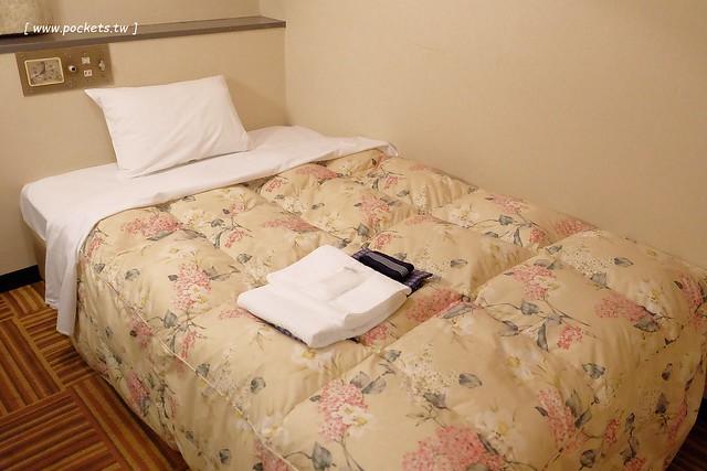 日本名古屋住宿┃都心之天然溫泉名古屋皇冠飯店.Nagoya Crown Hotel:鄰近地鐵伏見站和世界的山獎,地理位置佳,房間比較老舊,不過早餐很豐富,飯店還可以泡湯 @飛天璇的口袋