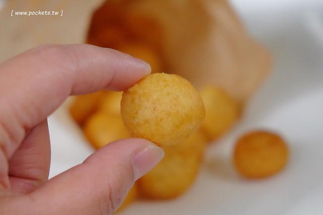 田中黃金蛋:冬天才會出沒的快閃地瓜球攤,一顆只要$1元,一開賣就大排長龍,營業兩個小時賣完就收,咔滋咔滋酥脆好吃,東森電視台採訪報導 @飛天璇的口袋