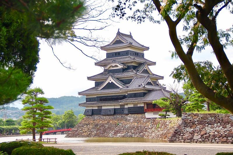 松本城┃日本長野:日本五大國寶城之一,也是日本最古老的五層六樓天守閣,含門票售價以及交通方式資訊 @飛天璇的口袋