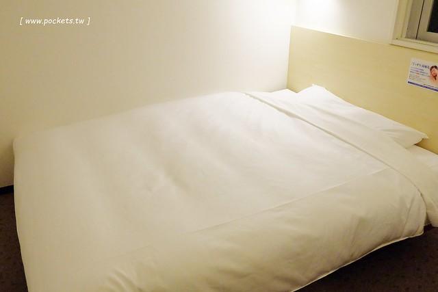 Super Hotel 池袋西口超級酒店┃東京飯店推薦:鄰近JR池袋車站,地理位置佳,房間附免費無線WiFi,還有提供隔天的早餐,平日一晚只要$2,000初頭 @飛天璇的口袋