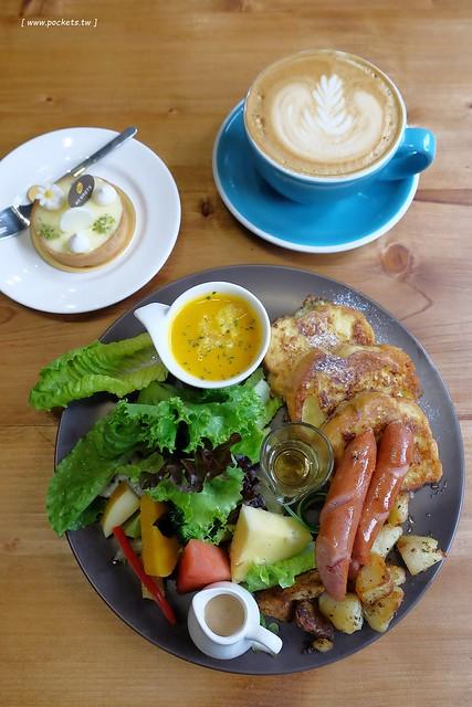好堅果咖啡 Heynuts Café┃台中西區美食:精明商圈工業風咖啡館,食材用心餐點豐盛,近期很喜歡的早午餐店 @飛天璇的口袋