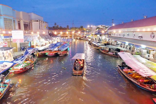 泰國安帕瓦水上市場┃泰國景點推薦:每個星期五、六、日才出沒的夜市,泰國自由行最愛的景點之一,品嚐Chalsamran Amphawa ร้านอาหารเจ้าสำราญ晚餐 @飛天璇的口袋