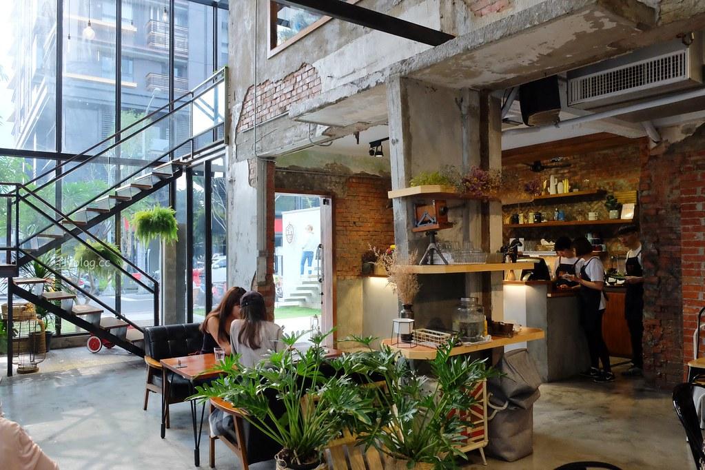 堅果小巷:超美落地窗玻璃屋老宅建築,餐點用心好吃變化性高 @飛天璇的口袋