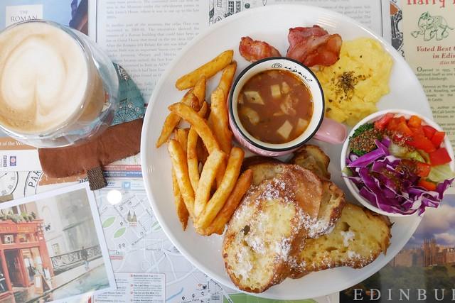栗子窩 Leeds Café┃台中西屯美食:充滿英國風情的咖啡館,使用安心好食材,推薦麻糬鬆餅好吃 @飛天璇的口袋