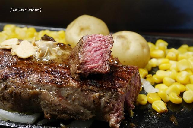 銀座IKINARI STEAK いきなり┃東京美食推薦:站著吃的牛排,想要吃多少就切多少,商業午餐CP值超高! @飛天璇的口袋