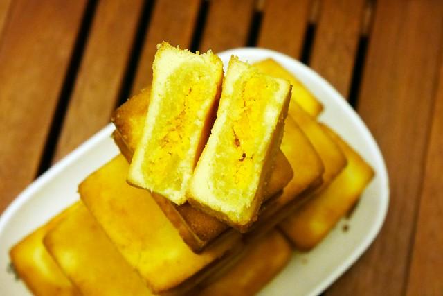 小潘鳳梨酥:聞名全台的鳳梨酥,好吃順口又便宜,節慶要排隊才買的到哦! @飛天璇的口袋