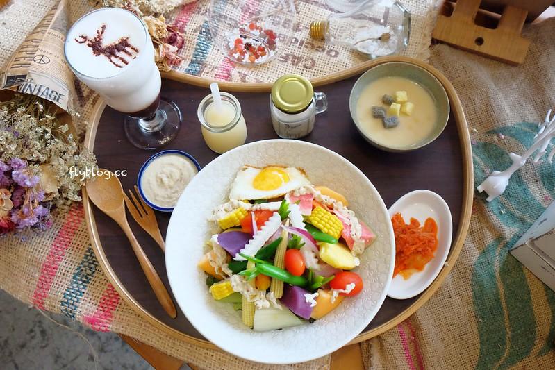 尋鹿咖啡┃員林美食推薦:結合美食與藝文的咖啡館,雜貨風元素拍照的好地方,鬆餅還是一樣的好吃,也是親子友善餐廳 @飛天璇的口袋