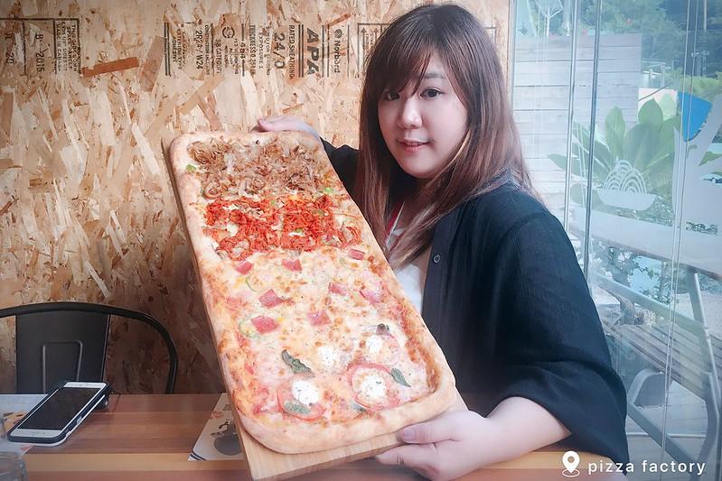 披薩工廠.Pizza Factory┃台中西區美食:草悟道廣場美食餐廳推薦,工業風的漂亮裝潢,台中親子友善餐廳 @飛天璇的口袋