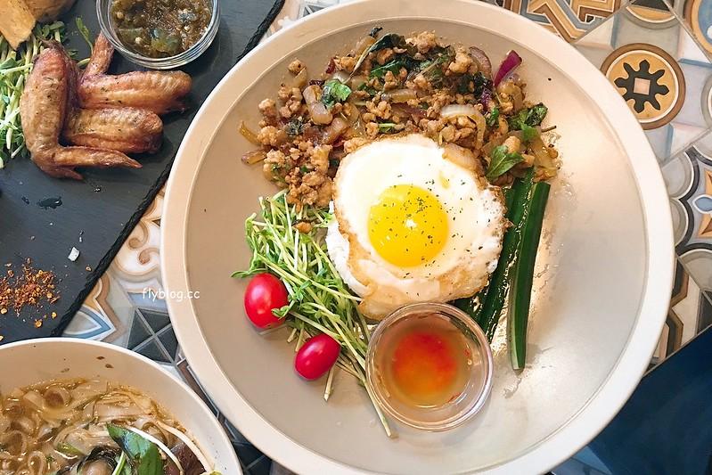 Saladaeng Café ศาลาแดง┃台中西區美食:網美超愛的泰式餐廳,一片花牆適合拍照打卡,但是餐點沒有很喜歡 @飛天璇的口袋