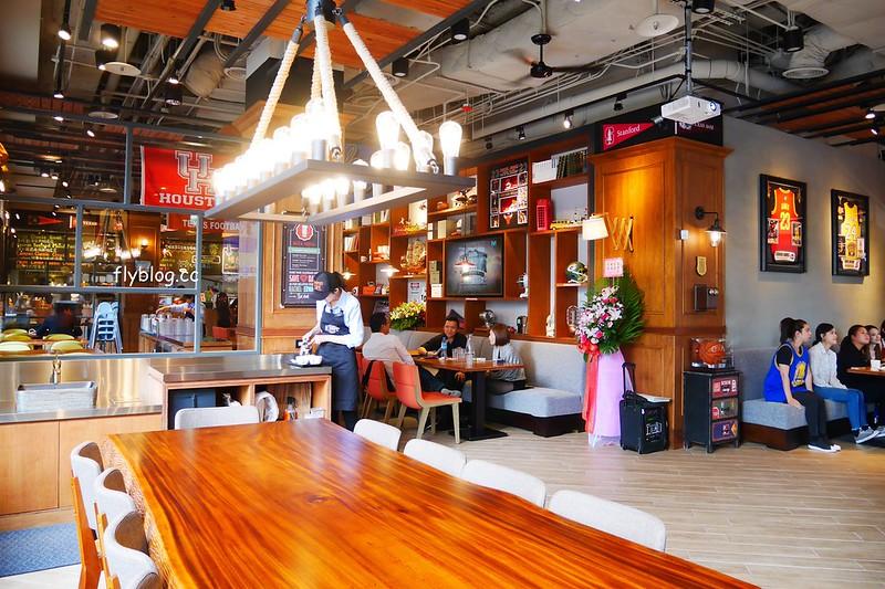 Campus Cafe┃台中西區:台北超人氣連鎖美式餐廳進駐台中,台中廣三SOGO百貨旗艦店11/15開幕,環境寬敞明亮充滿濃厚的美式氛圍 @飛天璇的口袋