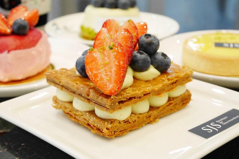 SJS法式甜點┃台中北區:主廚擁有法式藍帶證照,引進歐美開放式廚房,中區也吃的到精美的法式甜點 @飛天璇的口袋