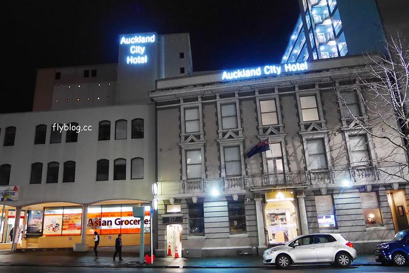奧克蘭城市飯店.Auckland City Hotel┃奧克蘭住宿推薦:房間備有小廚房,隔壁就是韓國超市,鄰近天空塔、皇后大道和維達港 @飛天璇的口袋