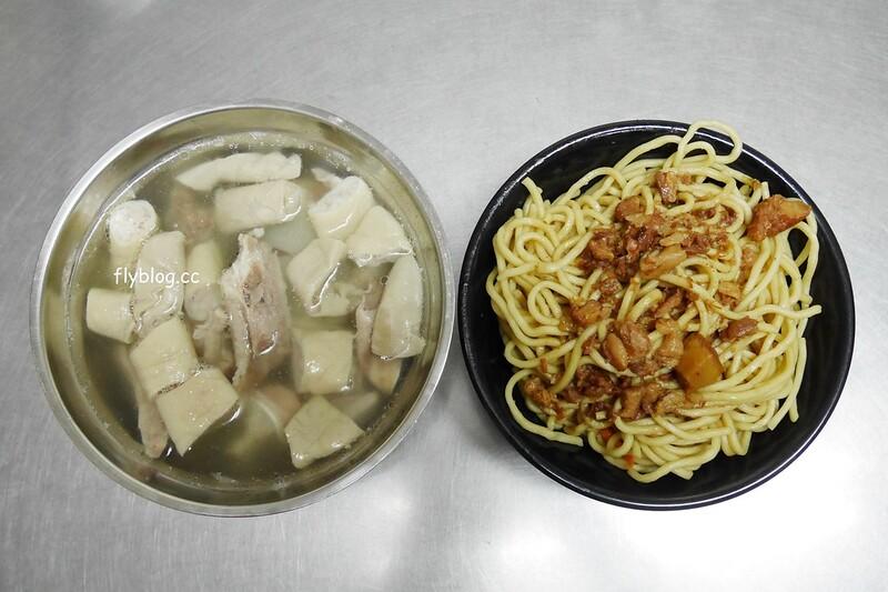 巧緣炒麵:台中在地20年的好味道,綜合湯料多味美很有誠意 @飛天璇的口袋