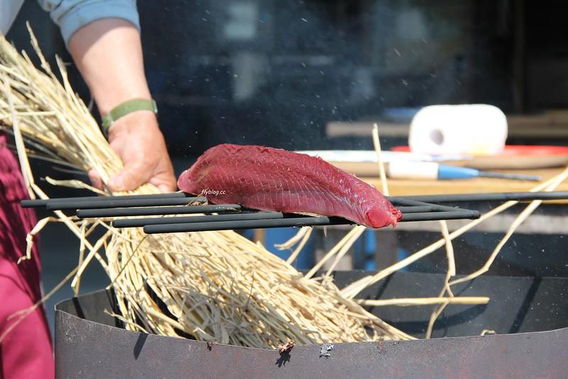黑潮一番館.鰹のたたき┃日本高知:稻草炙燒鰹魚DIY,高知必吃美食推薦 @飛天璇的口袋