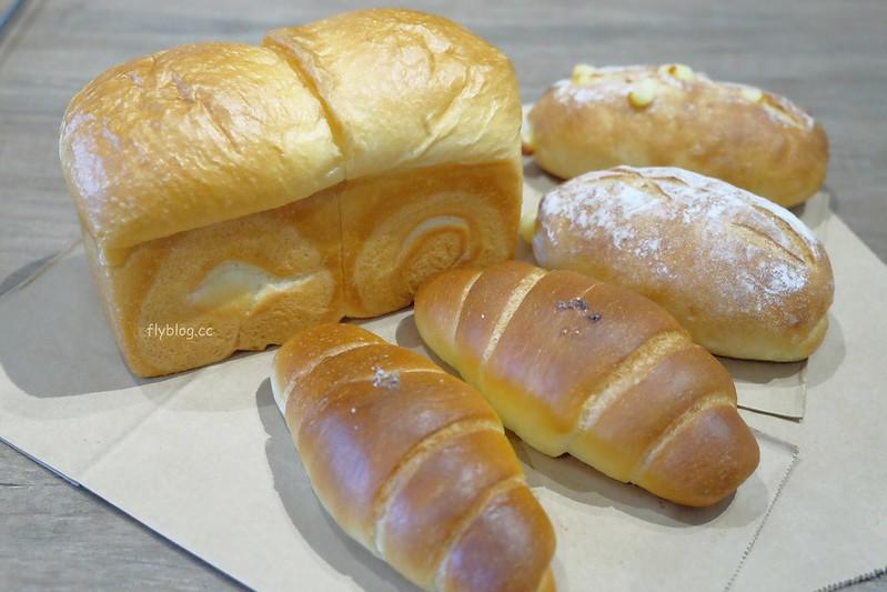 100pain 麵包製造室┃台中西屯:粉絲頁限量預購的好吃麵包,晚上9點一開放就造成搶購 @飛天璇的口袋