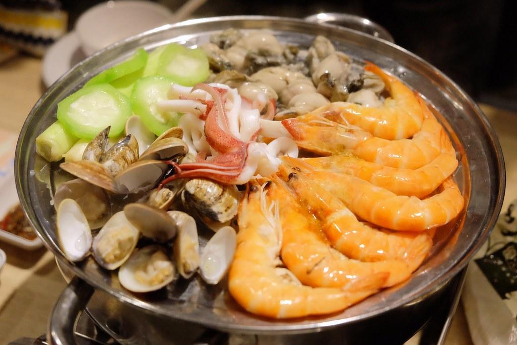 鮮食堂海鮮蒸鍋:一層一層堆疊的海鮮蒸鍋,澎湖海鮮就是鮮甜好吃沒話說 @飛天璇的口袋