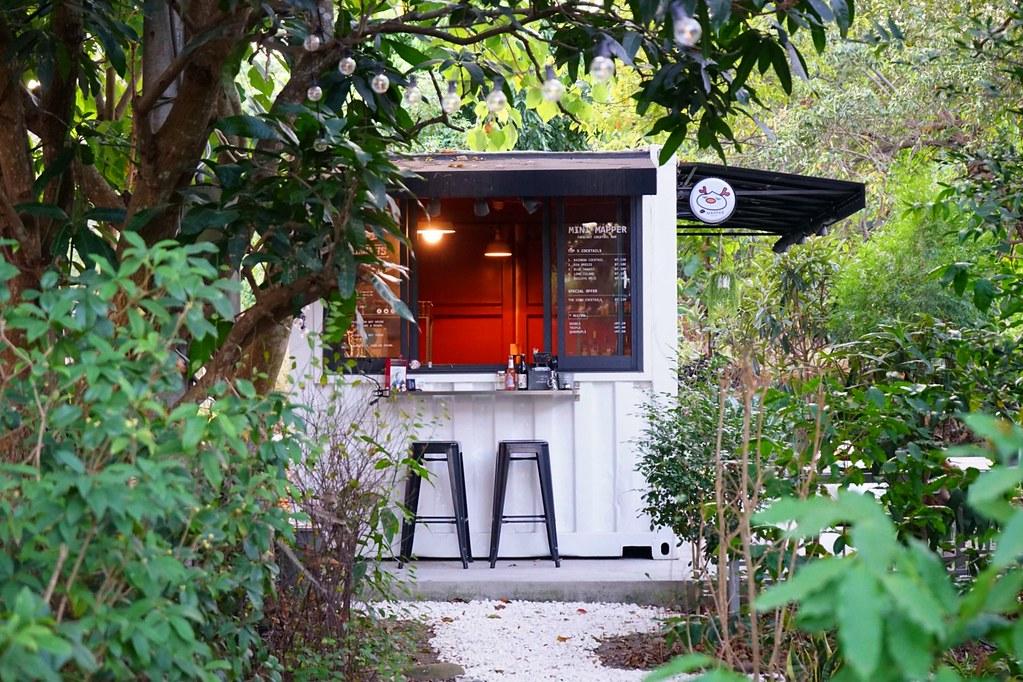 Mapper Cafe 脈搏咖啡┃台中南屯:文青風韓系咖啡館,通往小徑出現夢幻調酒吧 @飛天璇的口袋