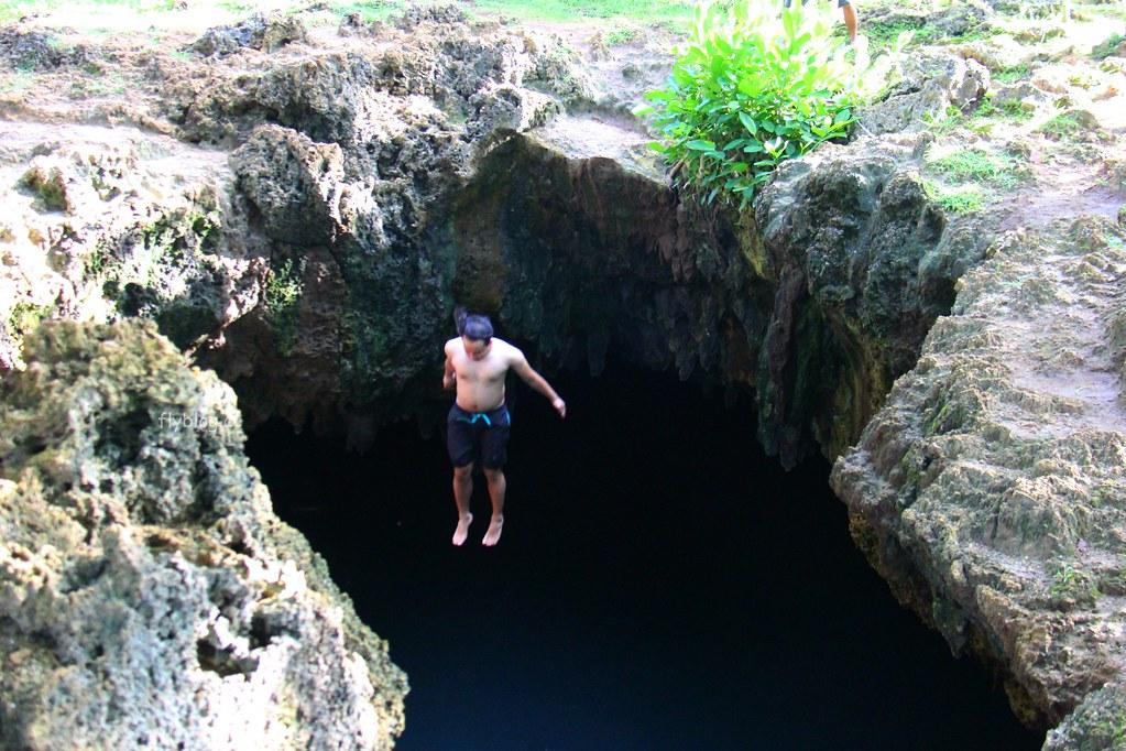 薄荷島景點:清涼消暑湛藍海水的神秘洞穴Cabagnow Cave Pool,細白如雪清澈見底的美麗沙灘Quinale Beach @飛天璇的口袋
