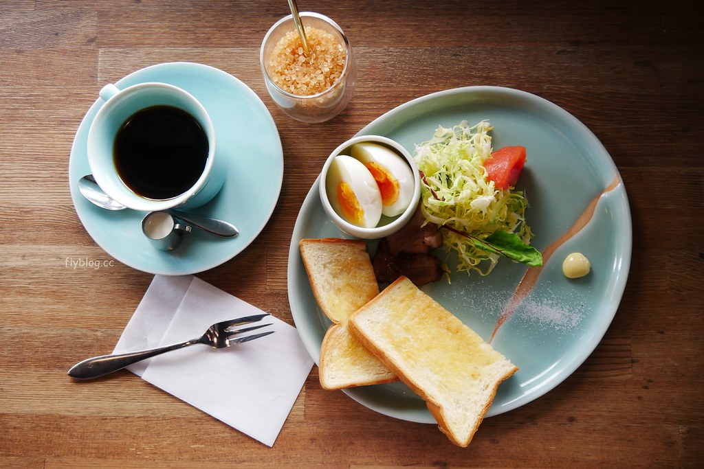 市川屋珈琲┃日本京都:京都巷弄裡的咖啡館,寧靜的五条通巷弄裡,步行就可以抵達清水寺 @飛天璇的口袋