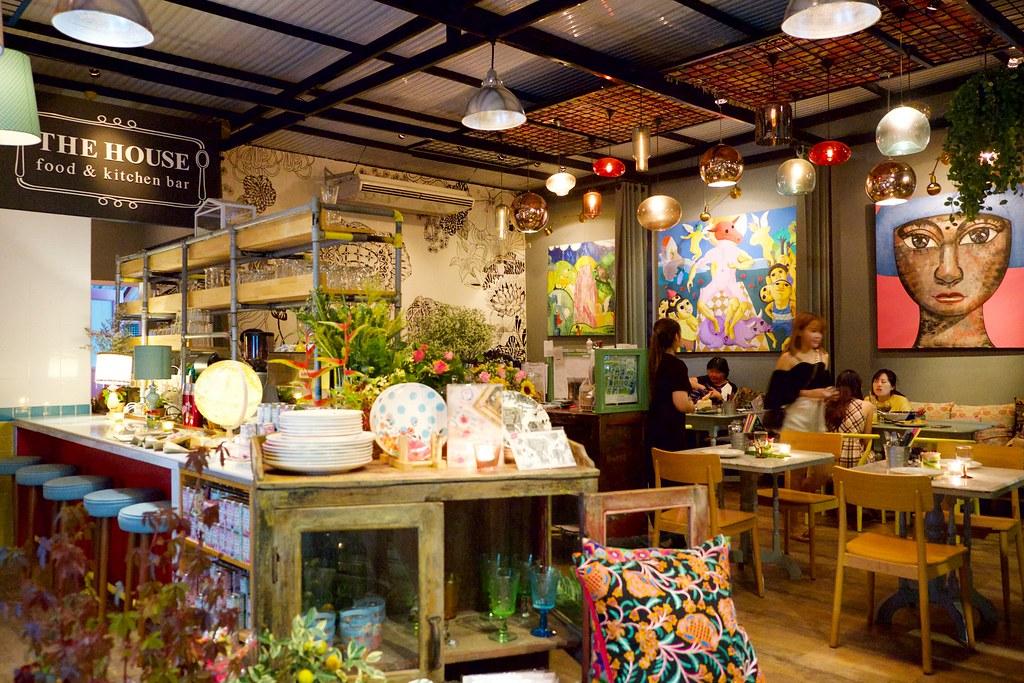 The House Restaurant by Ginger┃泰國清邁:華麗帶有藝廊風格的復合式餐廳,結合咖啡館、餐廳和酒吧,清邁老城區美食餐廳推薦 @飛天璇的口袋