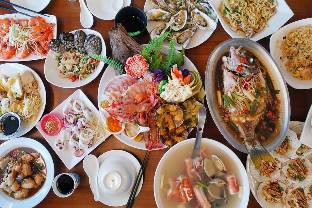 欣欣麵館:不只是麵店更是海產店,點生猛海鮮才是王道,食尚玩家推薦報導 @飛天璇的口袋
