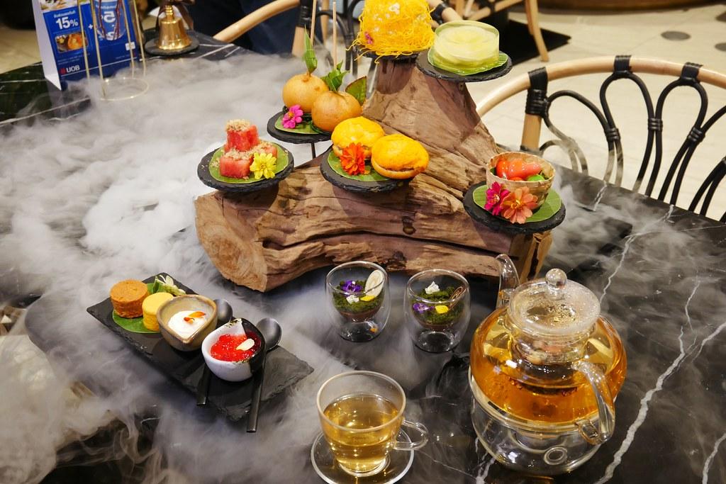 Divana ForRest Cafe┃泰國曼谷:餘煙裊裊森林系貴婦下午茶,泰國知名SPA品牌最新力作,曼谷Central World百貨一樓 @飛天璇的口袋