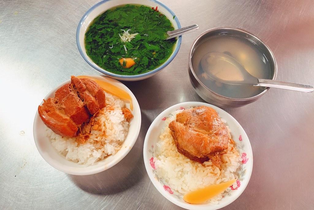 山河魯肉飯:第二市場超人氣美食,用餐時間請做好排隊準備 @飛天璇的口袋