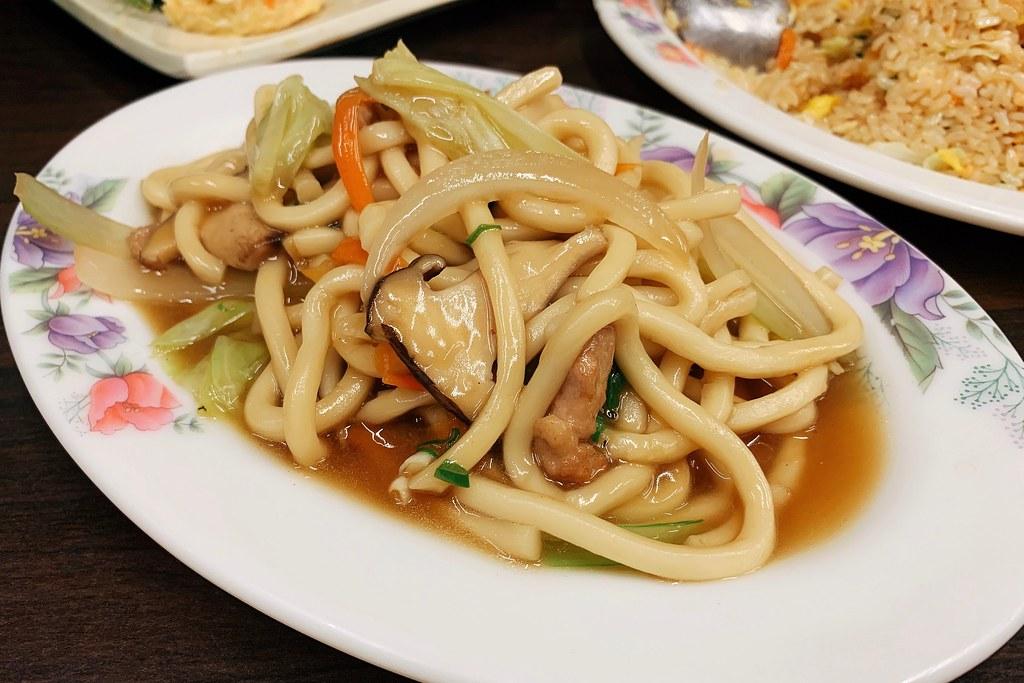 吉品屋日本料理┃嘉義美食:隱身文化夜市巷弄裡的美食,台式日本料理道道好好味 @飛天璇的口袋