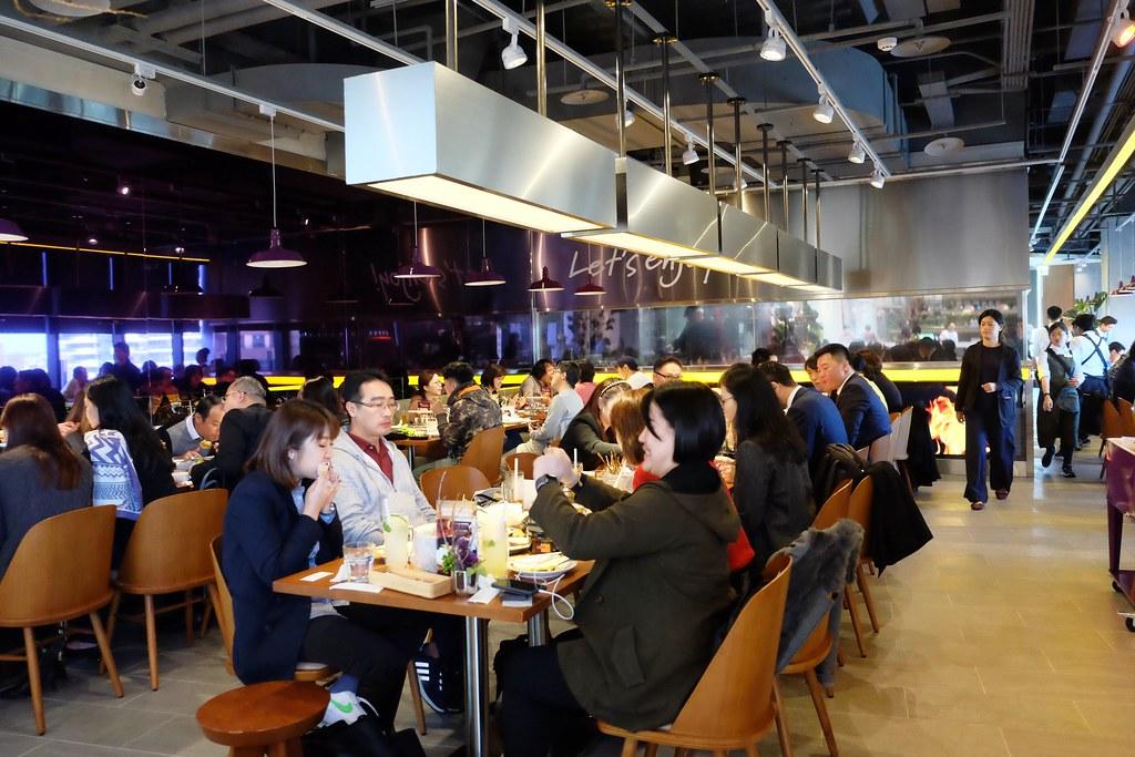 月月Thai BBQ泰式燒烤:瓦城最新品牌,不一樣的泰式料理,泰式Lounge bar氛圍 @飛天璇的口袋