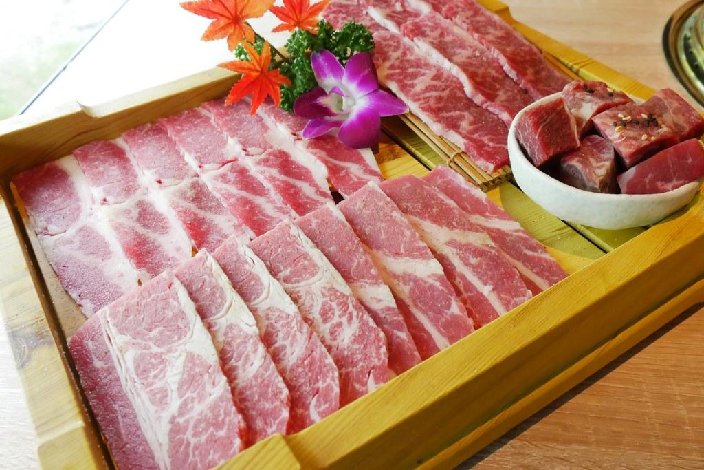 紅巢燒肉工房:獨享81折!限時加碼送美國安格斯牛排5盎司,專人桌邊燒烤服務~ @飛天璇的口袋