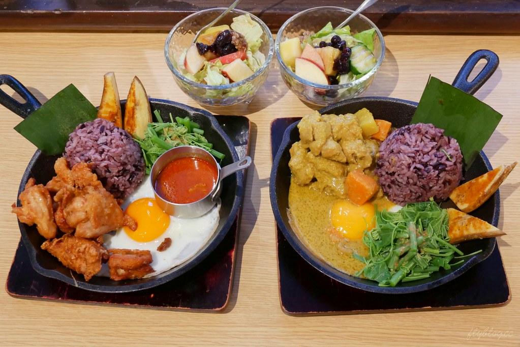 家咖哩台中店:來自花蓮的超人氣咖哩專賣店,結合原住民料理的創新口感 @飛天璇的口袋