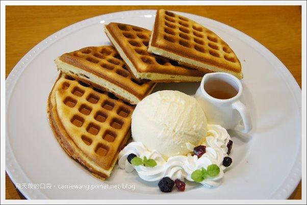 【台中下午茶】麥克菲輕食咖啡館.McFee Café。宅青心中第一名的格子鬆餅… @飛天璇的口袋