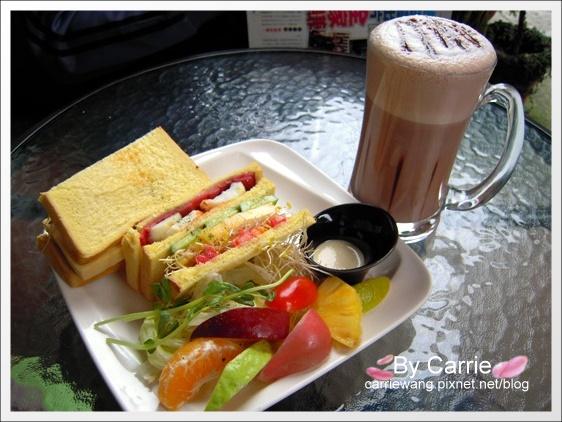 【台中早午餐】三角函數早午餐店.Brunch&Cafe @飛天璇的口袋