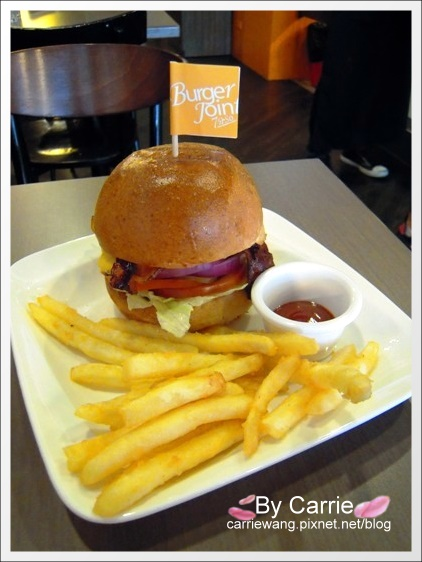 【台中早午餐】Burger Joint.7分SO美式廚房@林書豪尼克隊贏球,豪小子牛排歐姆蛋套餐半價 @飛天璇的口袋