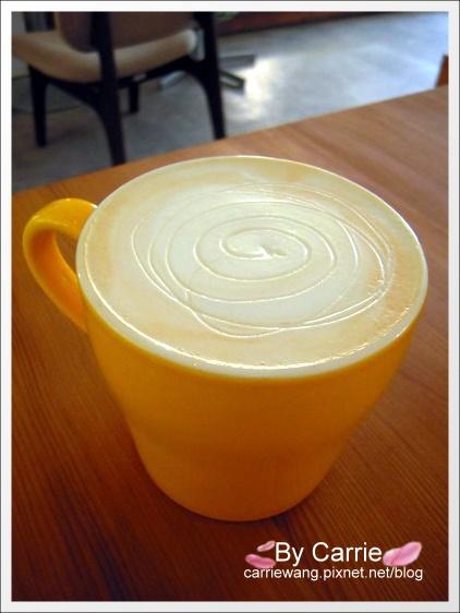 【台中下午茶】呼嚕咖啡.Forro Cafe。精明商圈老房子改建的特色咖啡館 @飛天璇的口袋