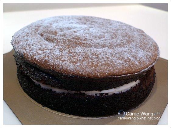 【台南團購美食】BANANA手作烘培。香蕉巧克力蛋糕(康熙來了推薦) @飛天璇的口袋