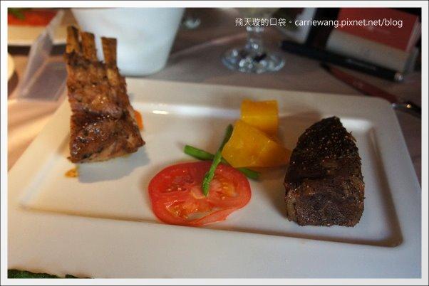【台中牛排餐廳】王品台塑牛排。這一餐,滿滿的感動之情溢於言表啊! @飛天璇的口袋