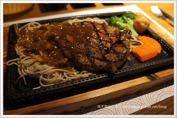 【台中美食推薦】赤鬼炙燒牛排@崇德店。平價牛排也不錯吃! @飛天璇的口袋