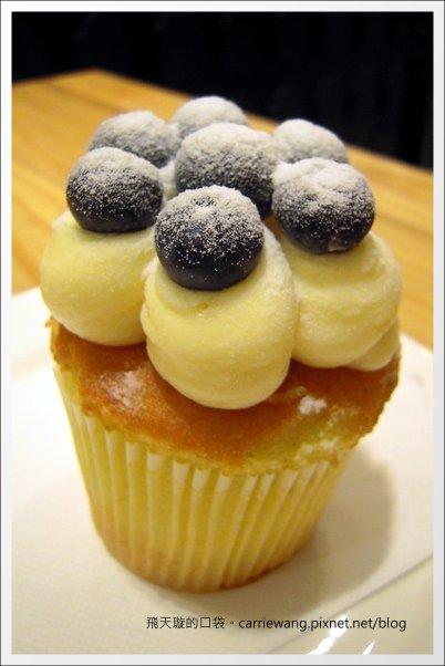 【台中蛋糕甜點】克勞蒂杯子蛋糕.Cloudy Cupcake@台中大遠百B2 @飛天璇的口袋