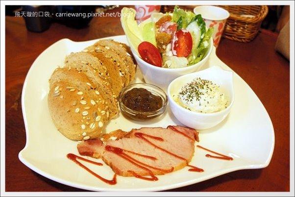 【台中早午餐】菲莉斯咖啡 Feliz Cafe。北屯平價早午餐推薦 @飛天璇的口袋