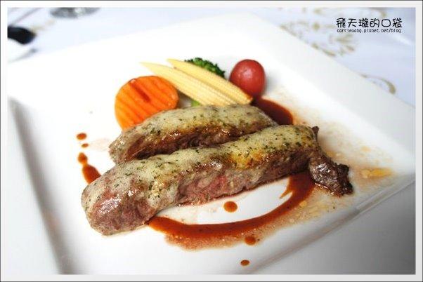 【台中美食】紅敞精廚牛排@進化店。果真是賣肉的,肉質真的不錯… @飛天璇的口袋