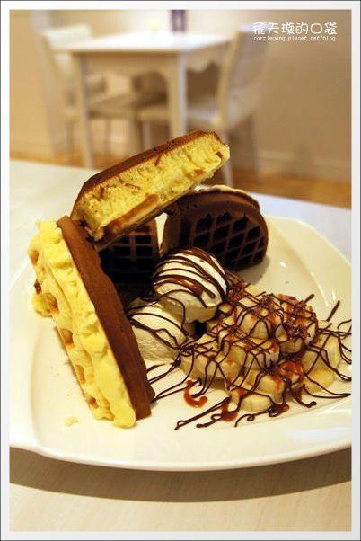 【台中下午茶】Connie's Cafe。媲美鑽石的3CM超厚鬆餅 @飛天璇的口袋