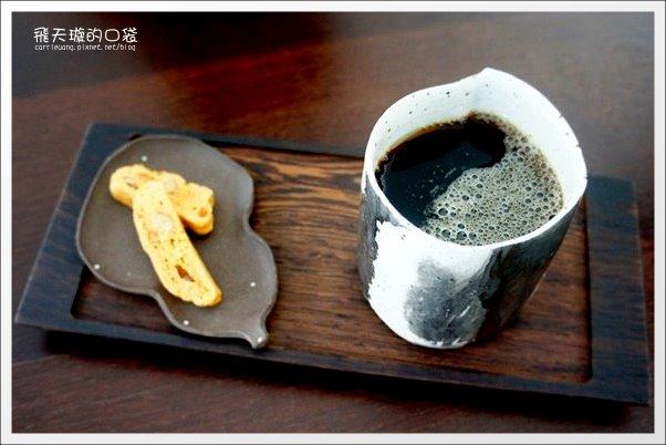 【台中下午茶】元生咖啡。環境很舒適的藝廊咖啡館推薦 @飛天璇的口袋