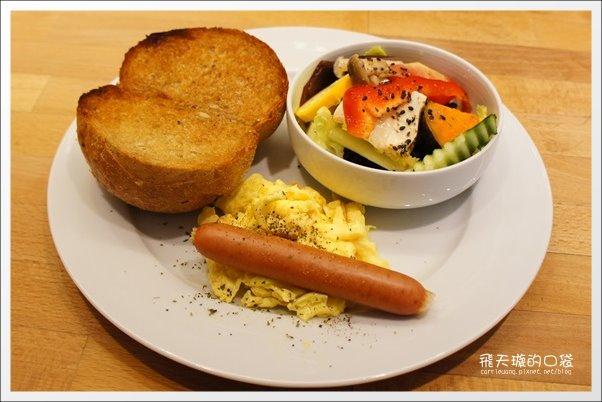 【台中早午餐】目覺咖啡三店.mezamashikohi-trio。精明一街商圈咖啡館推薦 @飛天璇的口袋
