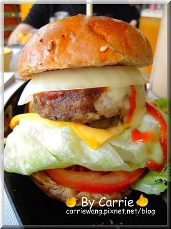 【台中美式餐廳】牛逼洋行 Noob Burger。下巴會脫臼的漢堡 @飛天璇的口袋